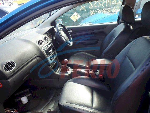 Кожаный салон на Форд Фокус 2 купэ в идеальном состоянии.